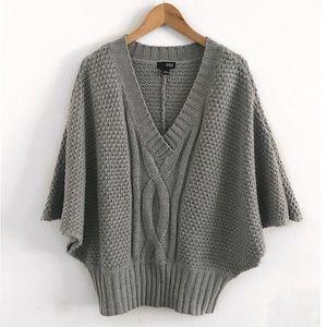 Ana sweater poncho size XL